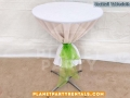01-cocktail-table-round-with-tablecloth-and-bows-rentals