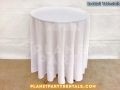 01-cocktail-table-round-with-tablecloth-rentals